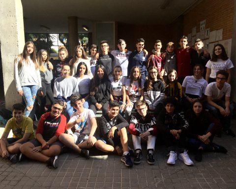 Els alumnes de la redacció d'El Pilar Report